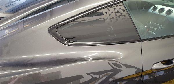 15-20 Ford Mustang  Aufkleber für Dreiecksfenster - US-Flagge