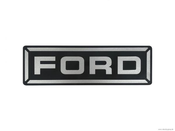 "15-18 Ford Mustang  Emblem ""Ford"" für Domstrebe"