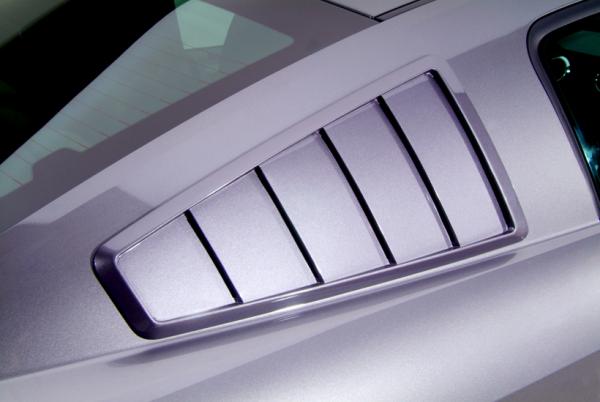 07-09 Ford Mustang Shelby GT500 (5.4) Aufsatz für Scheibe - Cervinis - 65'' Style