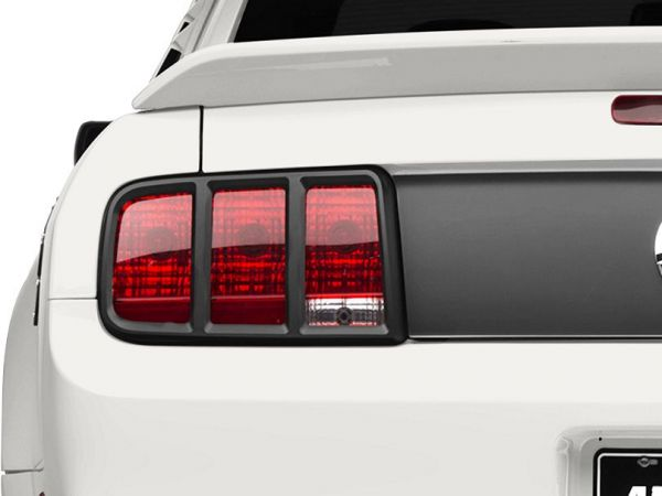 05-09 Ford Mustang Rahmen für Rücklicht - Matt Schwarz - Links & Rechts