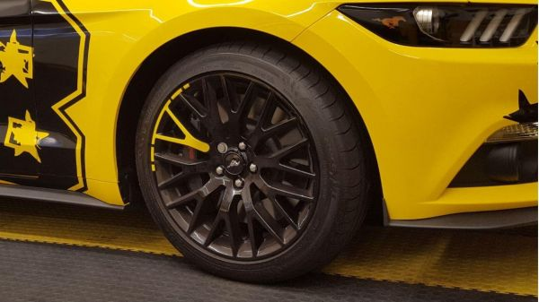 15-20 Ford Mustang  Aufkleber für Performance Pack Felgen - Gelb