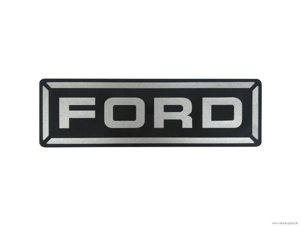15-19 Ford Mustang  Emblem ''''Ford'''' für Domstrebe