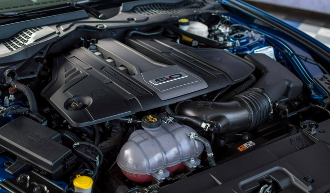 2018-mustang-gt-coyote-engine-bay