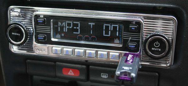 05-14 Ford Mustang Radio - USA4 - DIN