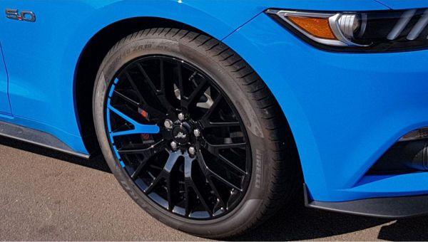 15-19 Ford Mustang  Aufkleber für Performance Pack Felgen - Blau
