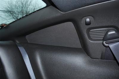 05-09 Innere Abdeckungen für hintere Seitenfenster - Schwarz